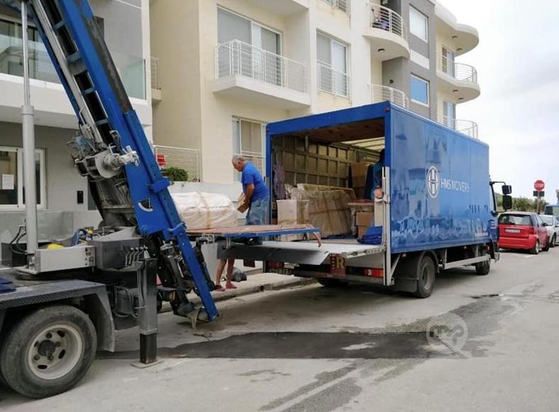 transport furniture